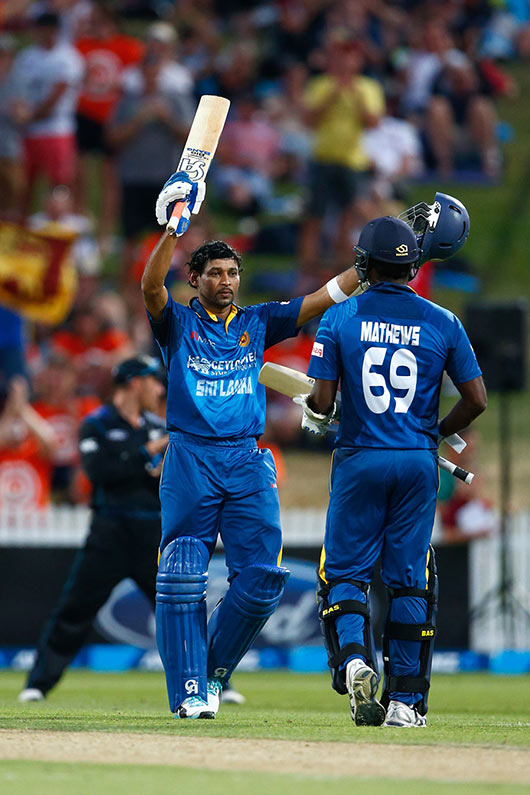 Tillikaratane Dilshan eased to his 19th one-day international century
