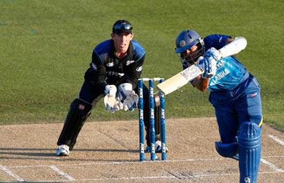 T.M. Dilshan batting