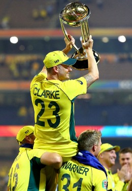 Aaron Finch and David Warner hoist Michael Clarke on their shoulders - Cricket World Cup 2015
