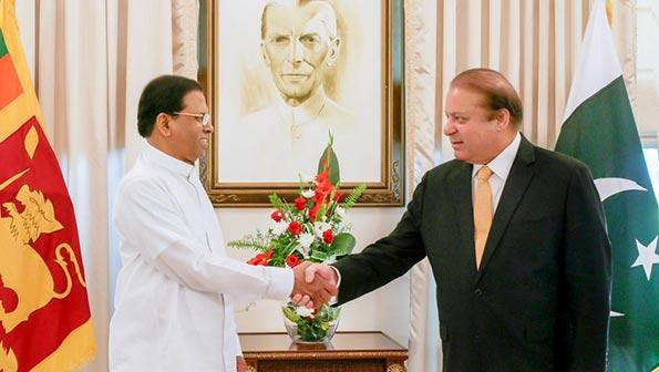 Sri Lanka President Maithripala Sirisena with Pakistan Prime Minister Nawaz Sharif