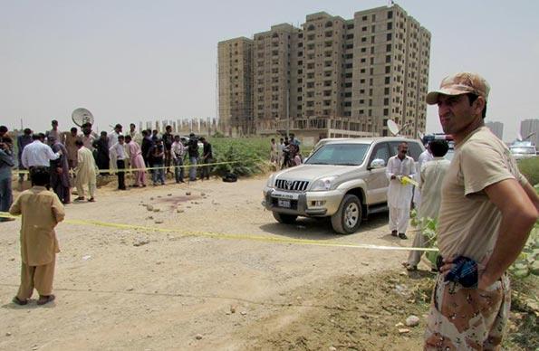 Gunmen kill 43 in attack on Shiite minority in Pakistan