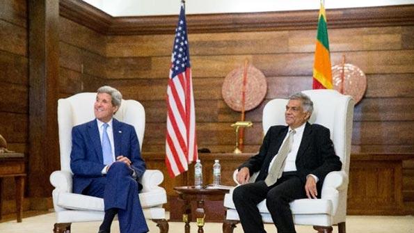 John Kerry with Sri Lanka Prime Minister Ranil Wickremasinghe