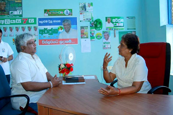 Arjuna Ranatunga with  Chandrika Kumaratunga