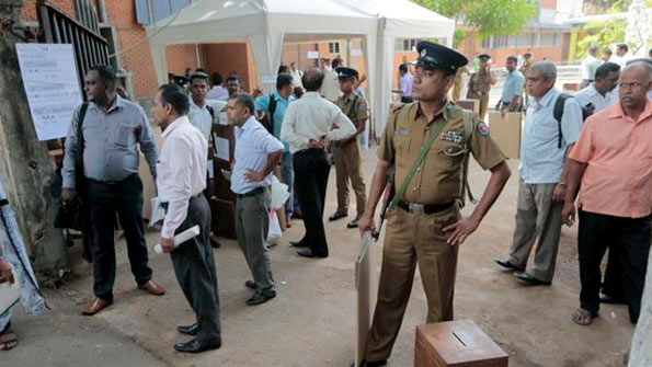 Police security for Sri Lanka election - 2015