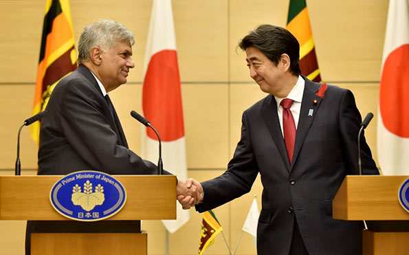 Japanese Prime Minister Shinzo Abe with Sri Lanka Prime Minister Ranil Wickremasinghe