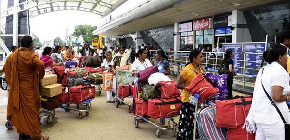 Sri Lankan tourists in India
