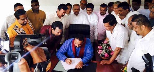 Mahinda Rajapaksa at new political office