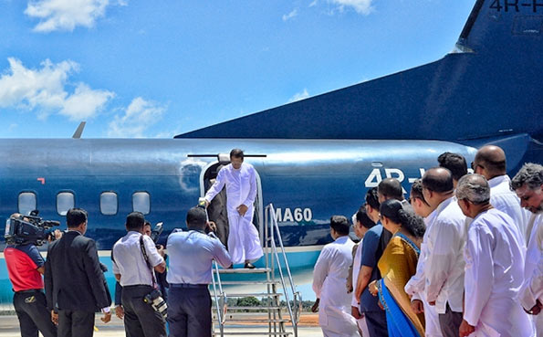 Sri Lanka President Maithripala Sirisena at Batticaloa airforce runway