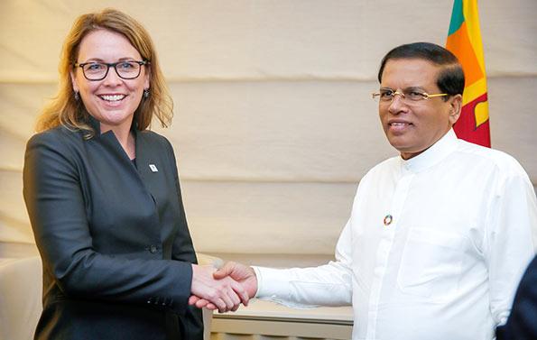 Dana J Hyde with Sri Lanka President Maithripala Sirisena