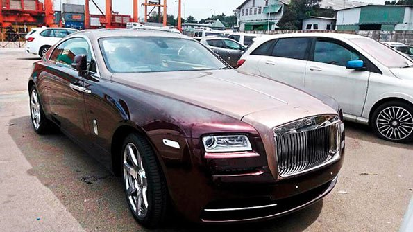 Rolls Royce super luxury car