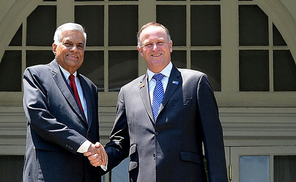 Sri Lanka Prime Minister Ranil Wickremesinghe with New Zealand Premier John Key