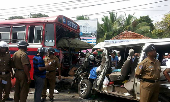 Bus and van collision in Jaffna