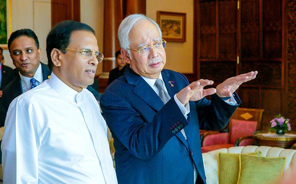 Sri Lanka President Maithripala Sirisena with Malaysian Prime Minister Najib Razak