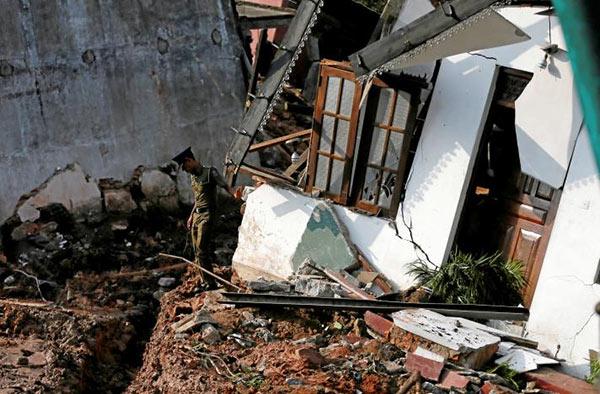 Meethotamulla garbage dump collapsed