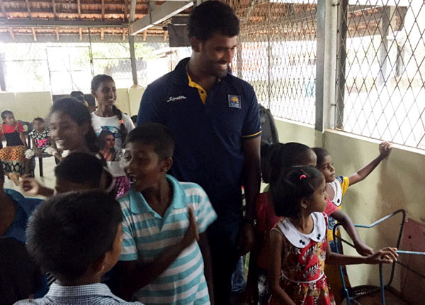 Sri Lanka Cricketers at Meethotamulla garbage site