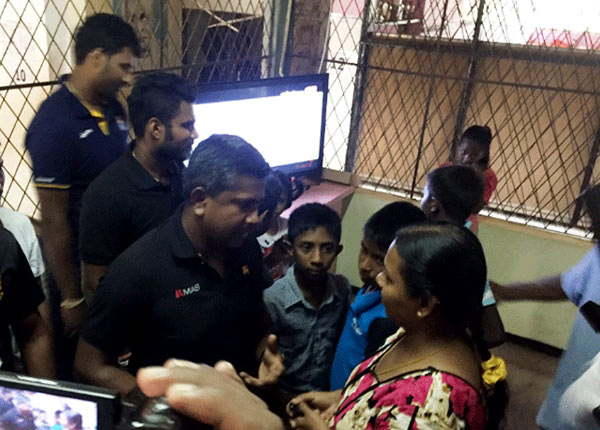 Sri Lanka Cricketers at Meethotamulla garbage site