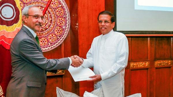 Syed Shakeel Hussain with Maithripala Sirisena