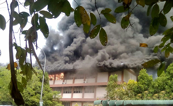 Kuala Lumpur school fire kills students and teachers