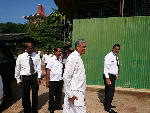 Sarath Fonseka is at bond commission