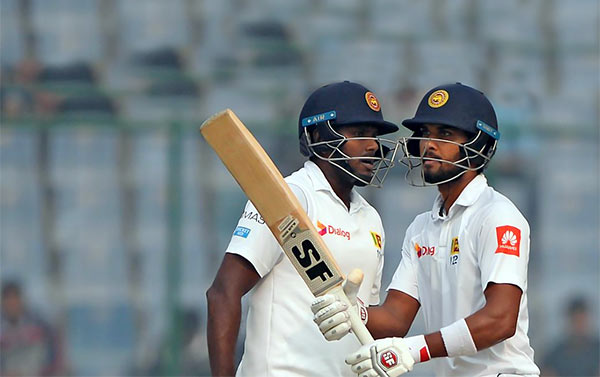 Angelo Mathews with Dinesh Chandimal