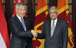 Singapore Prime Minister Lee Hsien Loong with Sri Lanka Prime Minister Ranil Wickremasinghe