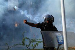 Sri Lanka Police tear gas