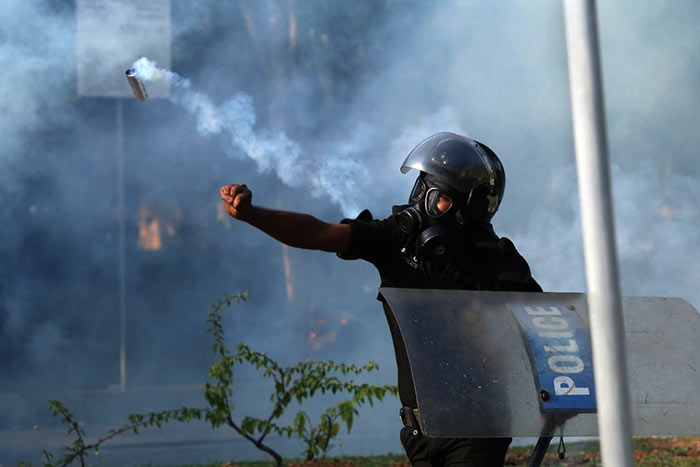Sri Lanka Police tear gas