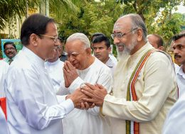 Sri Lanka President Maithripala Sirisena with CV Wigneswaran and R Sampanthan