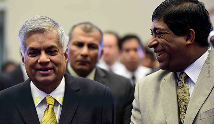 Ranil Wickremasinghe with Ravi Karunanayake