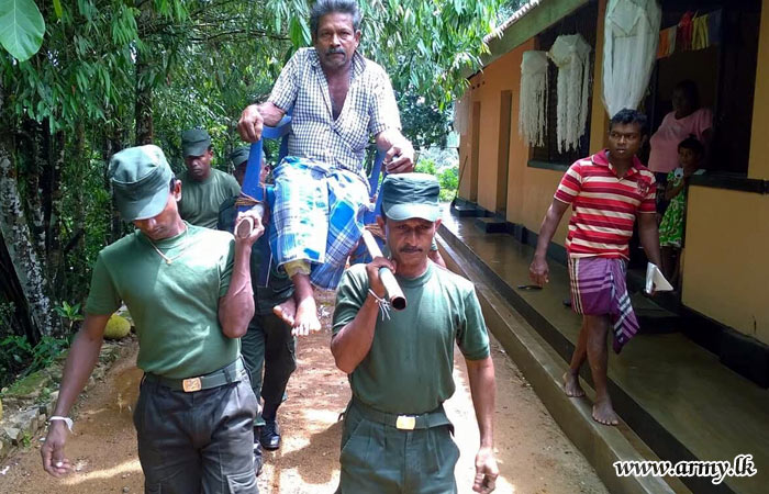Sri Lanka Army flood relief
