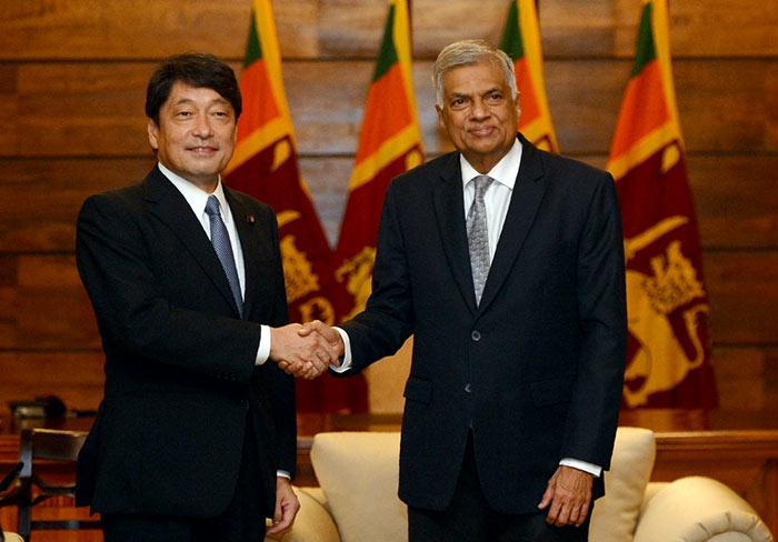 Japan's defence minister Itsunori Onodera with Sri Lanka Prime Minister Ranil Wickramasinghe