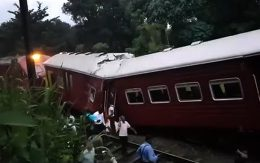 Train accident at Pannaliya off Polgahawela