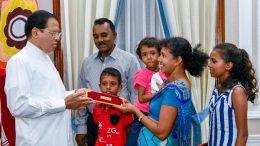 Sri Lanka President Maithripala Sirisena donates Rs.one million to Thebuwana Police Sergeant Sanath Gunawardena
