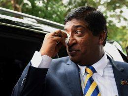 Ravi Karunanayake cry