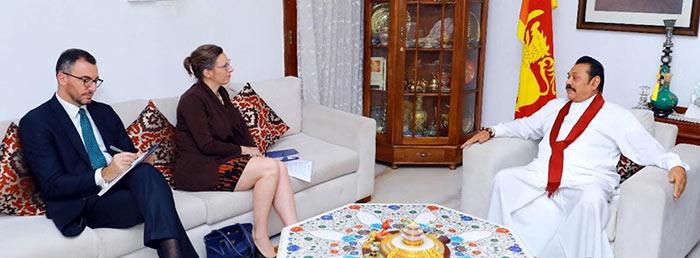 Alaina Teplitz has met Mahinda Rajapaksa