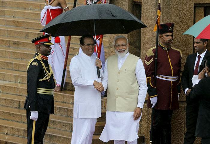 India Prime Minister Narendra Modi meets Sri Lanka President Maithripala Sirisena