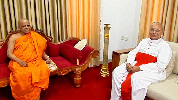 Mahanayake Ven. Warakagoda Gnanarathana thera with Colombo Archbishop Cardinal Malcolm Ranjith