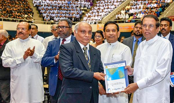 Sri Lanka President Maithripala Sirisena and Minister Rajitha Senaratne at national drug prevention week