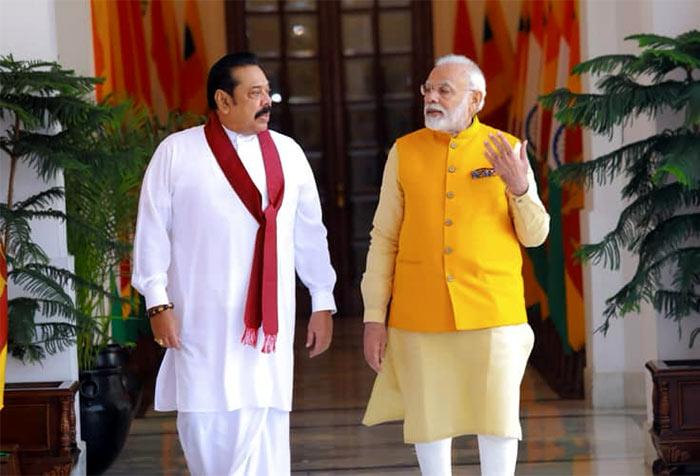 Prime Minister Mahinda Rajapaksa with Indian Prime Minister Narendra Modi