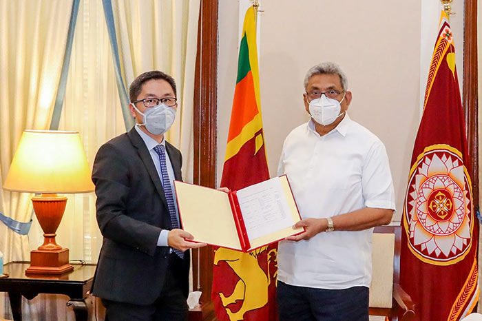 The Acting Ambassador for China Hu Wei with Sri Lanka President Gotabaya Rajapaksa
