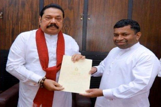 Prime Minister Mahinda Rajapaksa with Pillayan - Sivanesathurai Chandrakanthan alias Pillayan