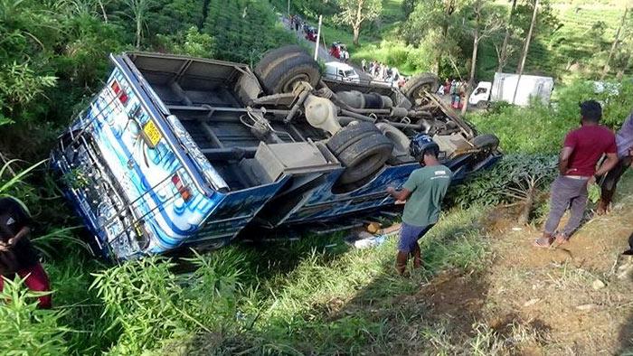 Bus accident in Hatton Dayagama Sri Lanka