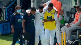 Dhananjaya De Silva injury