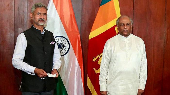 Dr. Subrahmanyam Jaishankar with Dinesh Gunawardena in Sri Lanka