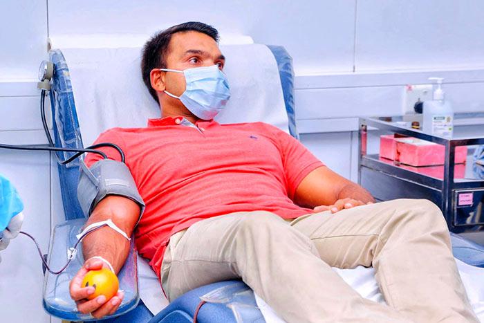 Namal Rajapaksa donates blood
