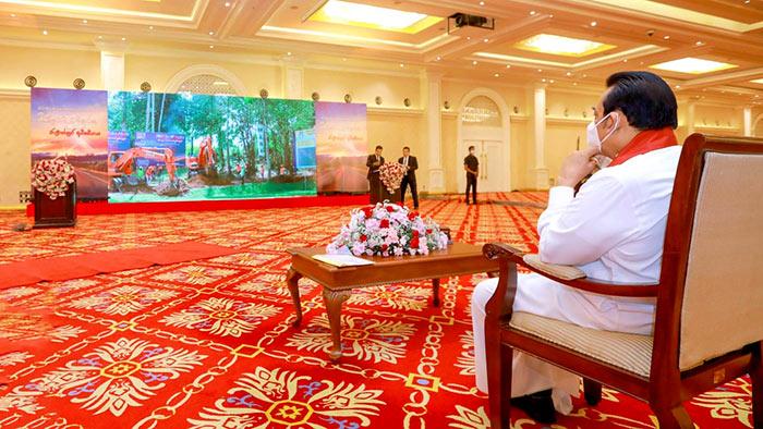Sri Lanka Prime Minister Mahinda Rajapaksa launched work on the Ruwanpura expressway