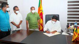 Samagi Jana Balawegaya signed no-confidence motion against Udaya Gammanpila