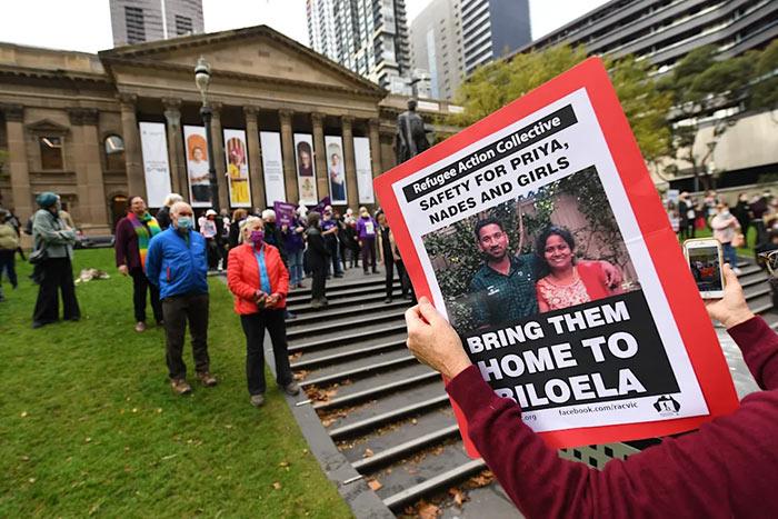 Sri Lankan asylum seeker family detained in Australia