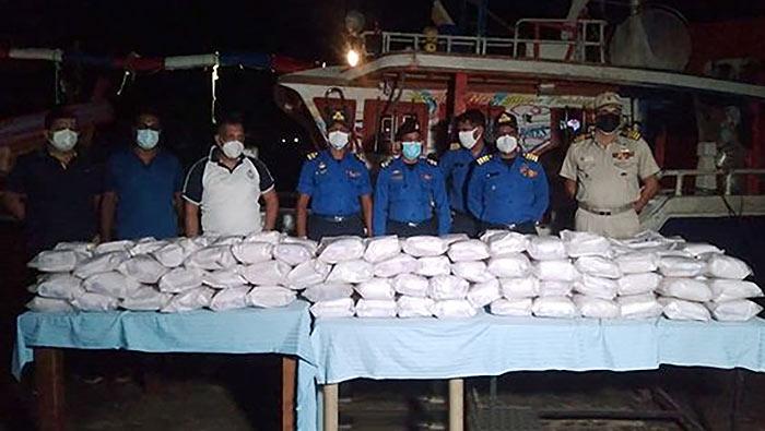 Sri Lanka Navy seized fishing trawler with heroin